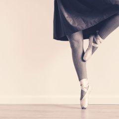 'El baile de la vida' de la poeta valenciana Elena Torres