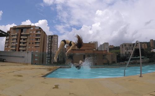 J+104 Le ballet de natation synchronisée !