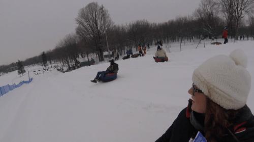 J+129 Glissades en bouée au parc Mont Royal !