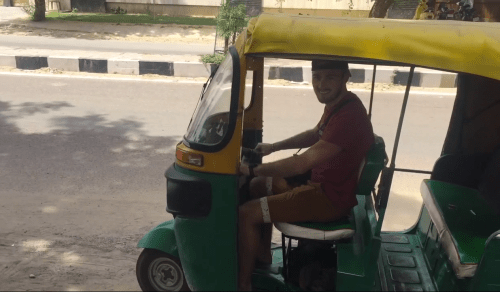 J+339 Conduire un tuktuk !