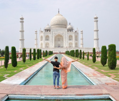 J+350 Une photo devant le Taj Mahal !