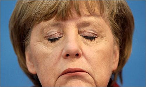 Angela Merkel (Foto: D.R.) - Raia e Coriscos - António Pissarra - Capeia Arraiana