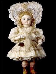 Boneca de porcelana de 1880 da colecção do Museu Casa Lis - Salamanca