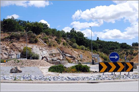Rotunda de Caria no acesso à A23