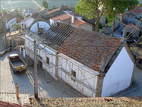 As obras na Igreja de Badamalos tiveram o apoio da Câmara