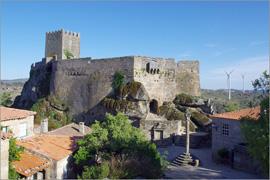 Castelo, pelourinho e «Domus Municipalis» de Sortelha - Adérito Tavares - Capeia Arraiana