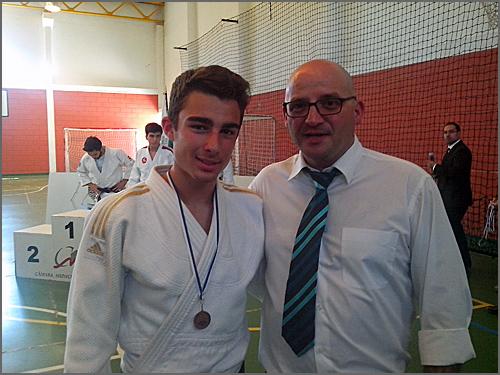 Emanuel Martins com o treinador David Carreira