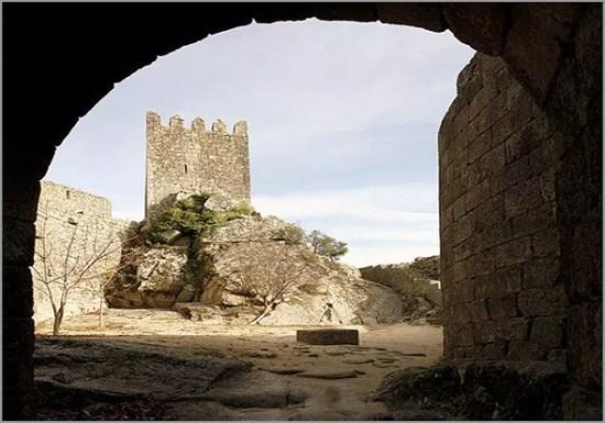 Castelo da Aldeia Histórica de Sortelha no concelho do Sabugal - Capeia Arraiana