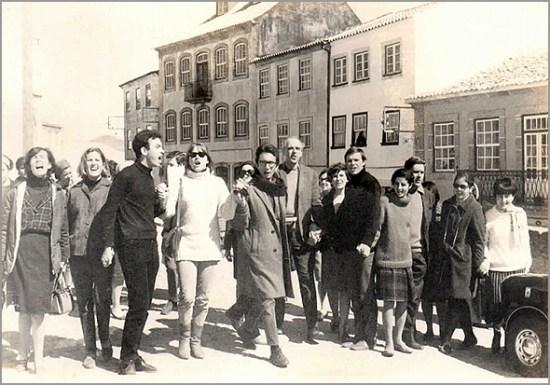Grupo com o prof. Lindley Cintra - Capeia Arraiana
