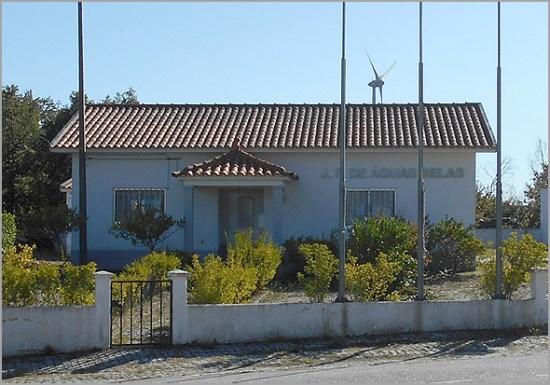 Edifício da sede da Junta de Freguesia de Águas Belas no concelho do Sabugal