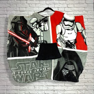 Adult Teen Hospital Gift Fleece Poncho Cape Ivy Star Wars™ The Force Awakens