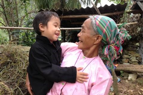 Mẹ Của Em Là… Bà Nội