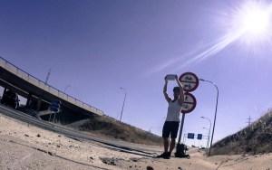Autostop : Ce que je ne vous ai jamais dit sur ma première fois