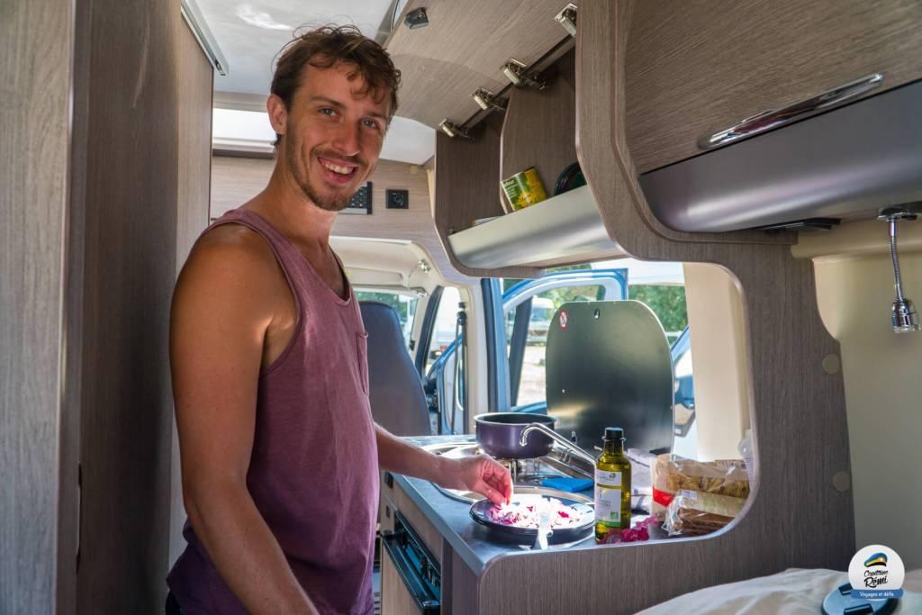 En mode cuise dans le van