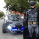 Batman sale a vigilar las calles para que respeten la cuarentena