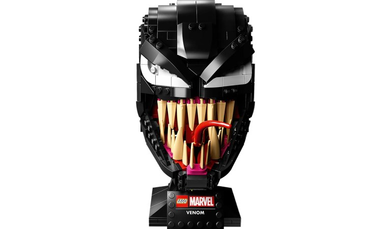 Marvel y LEGO presentan la máscara más amenazante de Venom