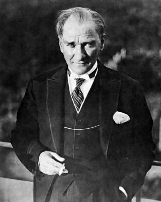 """MustafaKemalAtaturk"" by Cemal Işıksel (1905-1989) - Fotoğraflarla Atatürk (Images Atatürk) collection [1] of the Republic of Turkey Ministry of National Education (MEB) [2], Public domain"