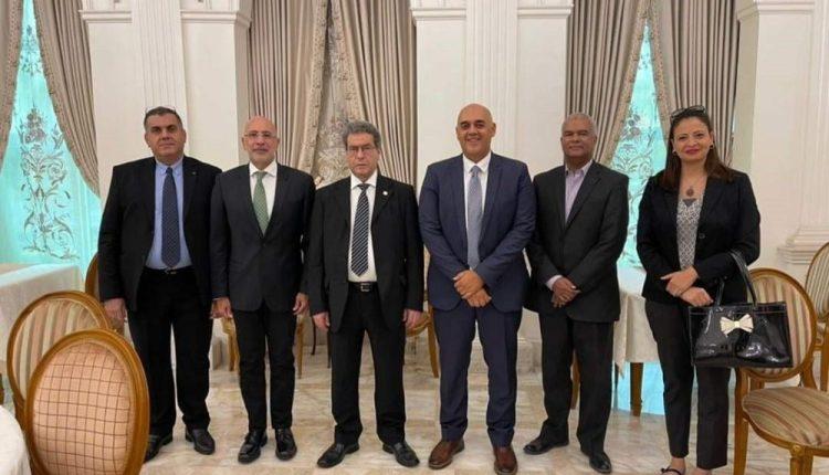 """وزير النفط و الغاز الليبي يجتمع مع رئيس """"طاقة عربية"""""""