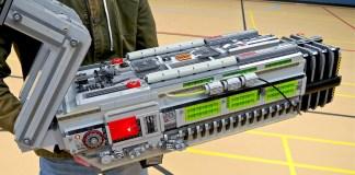 BFG 9000 de Doom contruida con LEGO