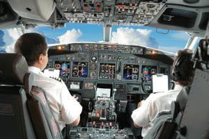 Horas de vuelo necesarias para convertirse en piloto comercial
