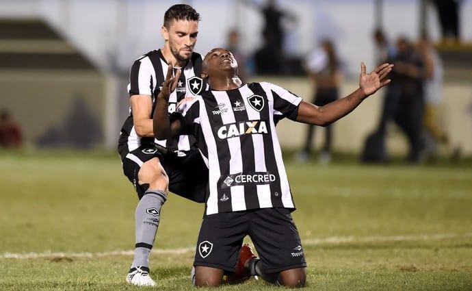 Sassá entra, decide, põe o Botafogo no G-6 e afunda Inter no Z-4