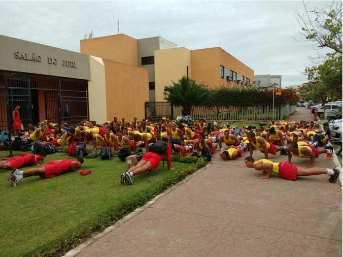Contratação de 120 salva-vidas para Marataízes