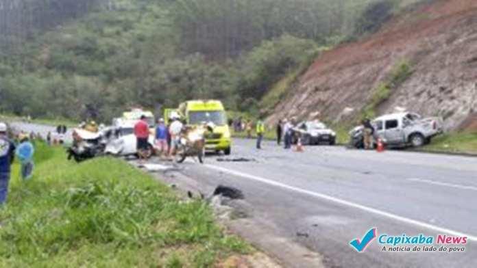 Dois mortos e 3 feridos em grave acidente em Ibiraçu