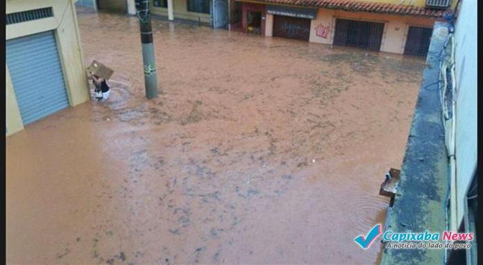 Chuva causa alagamentos e estragos em cidades do Sul do ES