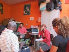 Edison Santos propõe construção colaborativa dos blocos de texto do site.