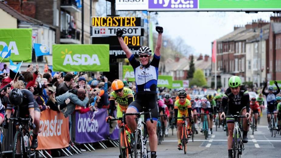 20160430-Womens_Tour_de_Yorkshire-Kirsten_Wild-3000.1462017281