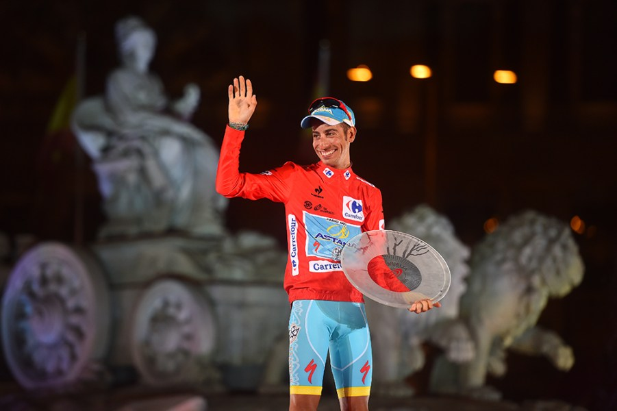 Cycling: 70th Tour of Spain 2015 / Stage 21 Podium/ ARU Fabio (ITA) Red Leader Jersey/ Celebration Joie Vreugde / Trophee Trofee Cup / Alcala de Henares - Madrid (98,8km)/ Rit Etape / Vuelta Tour d'Espagne Ronde van Spanje /(c)Tim De Waele
