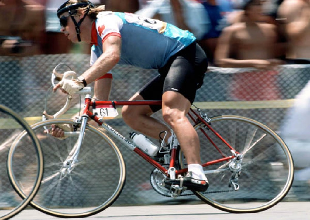 Canada's Steve Bauer competes in a cycling event at the 1984 Summer Olympics in Los Angeles. (CP PHOTO/ COA/ J Merrithew) Steve Bauer du Canada participe à une épreuve de cyclisme aux Jeux olympiques de Los Angeles de 1984. (Photo PC/AOC)