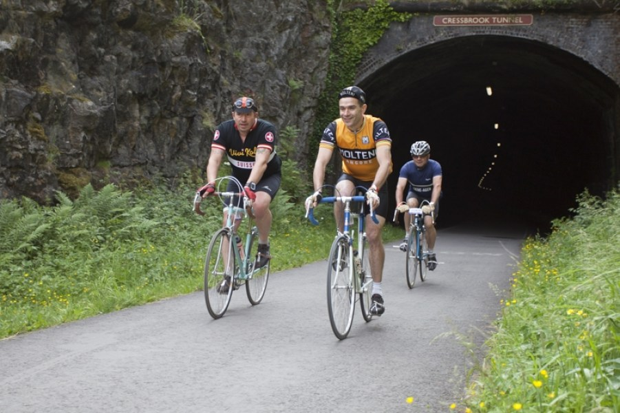 "L'Eroica Britannia cycle ride on the Monsal Trail, Derbyshire. About 2000 cyclists on ""Heroic"" bikes (made before 1987) set off early Sunday morning on a 100 mile/55 mile/35 mile ride. Many riders were in period dress."