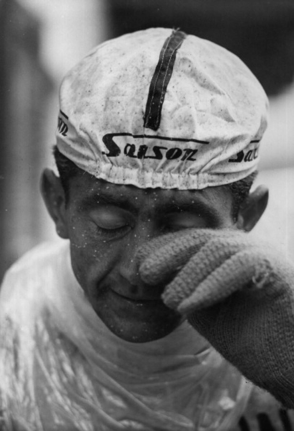 The Italian cyclist Italo Zilioli has just finished the 20th stage of the Giro d'Italia Madesimo-Stelvio. Stelvio, 3rd June 1965 (Photo by Giorgio Lotti/Mondadori Portfolio via Getty Images)