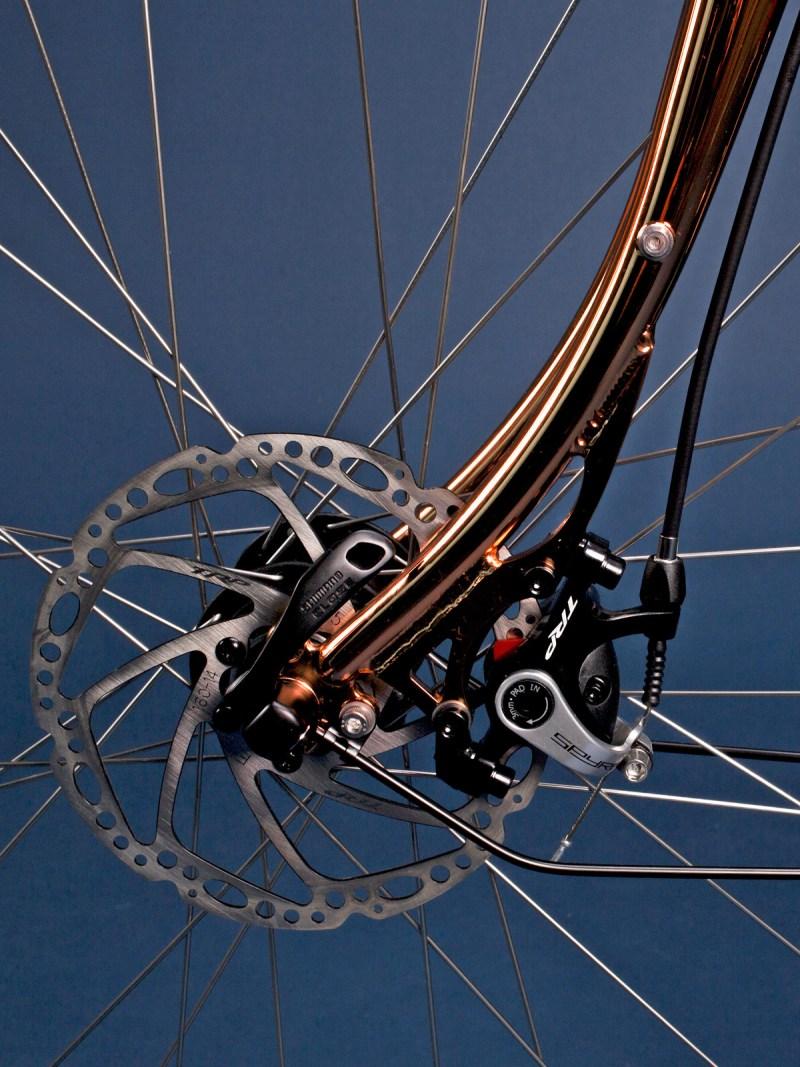 pelago-stavanger_brooks-150th-anniversary_dashing-bikes_classic-steel-road-bike_front-disc