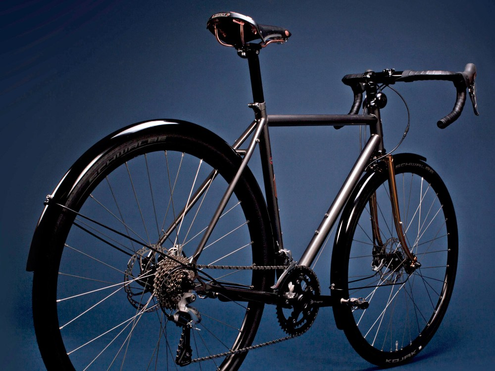pelago-stavanger_brooks-150th-anniversary_dashing-bikes_classic-steel-road-bike_rear-end