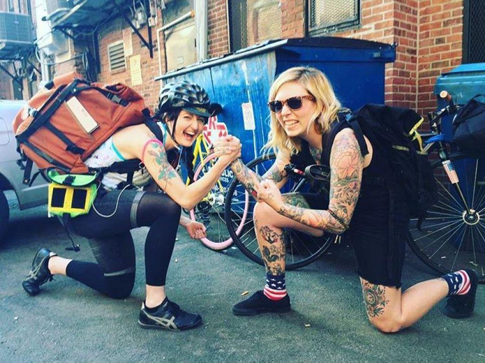 women-bike-messengers