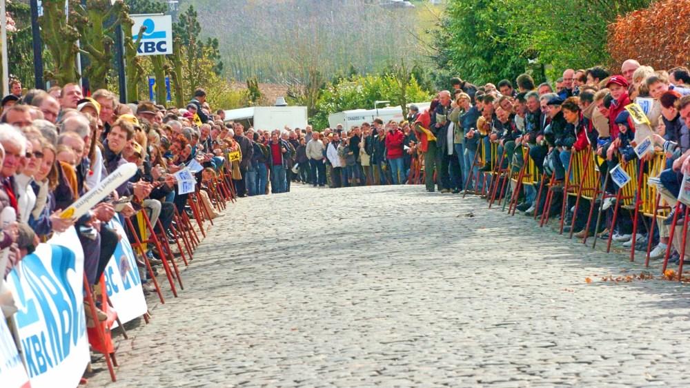 Cobbled-climb-Tour-of-Flanders-2016-pic-Sirotti