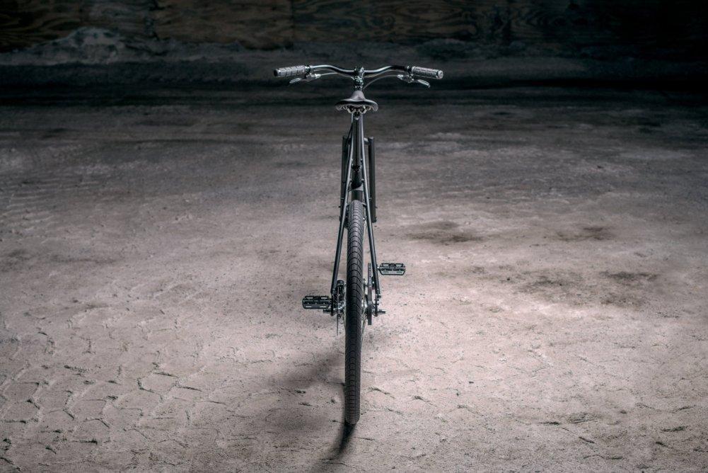 large_budnitz-bicycles_No.3_PitchBlack_SaltyLit_3000-9
