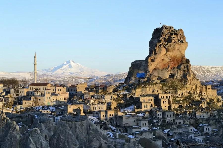 Крепость Ортахисар зимой