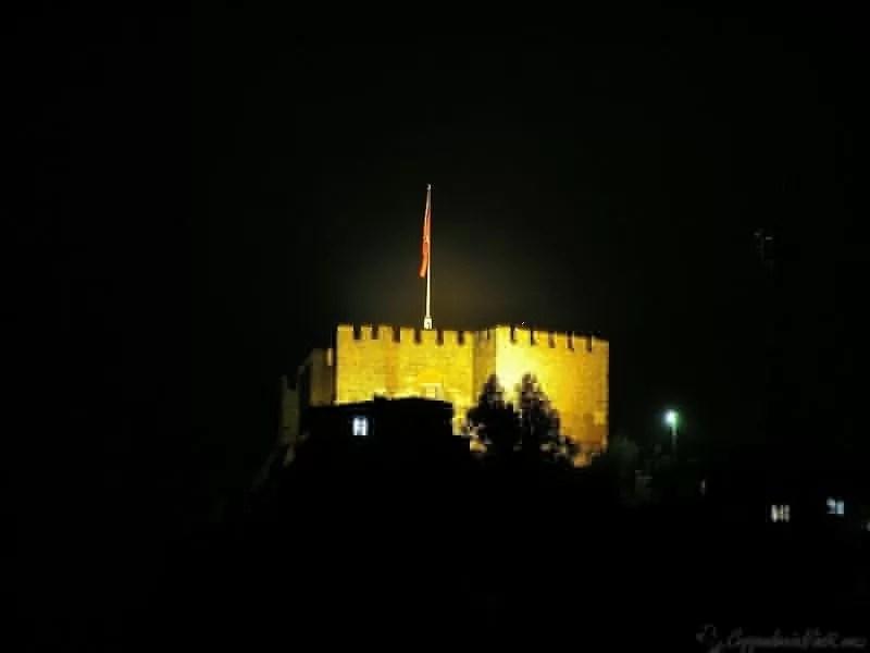 Крепость Анкары ночью