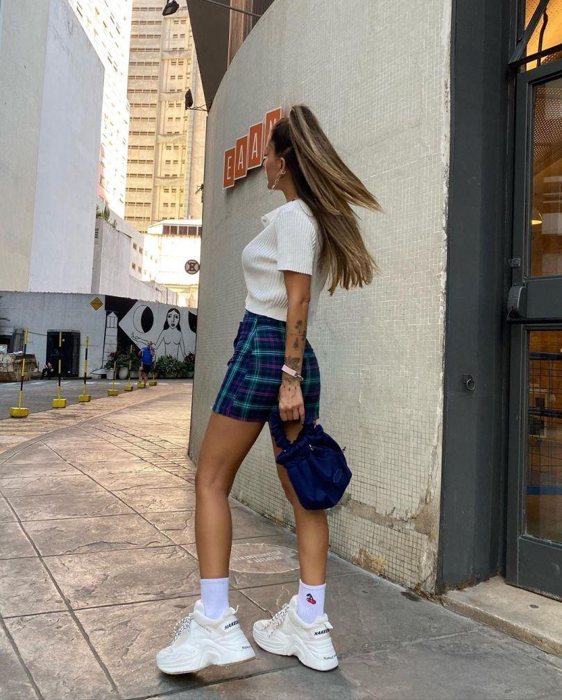 22 looks estilosos com tênis branco para reproduzir com as suas roupas    Capricho