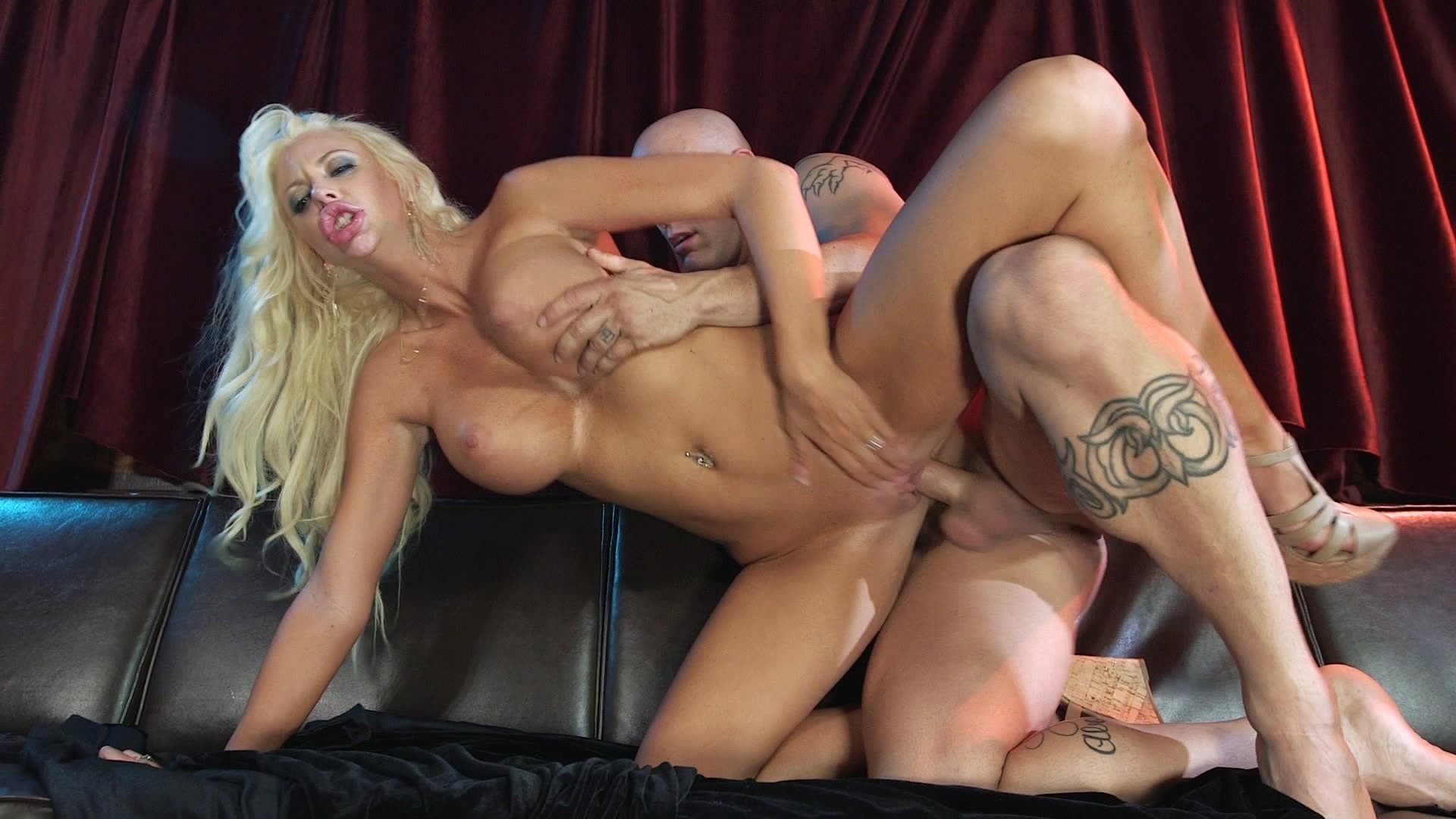 Busty Blonde Courtney Taylor Gets Her Pussy Pounded by Hung Stud Derrick Pierce Starring: Derrick Pierce Courtney Taylor Length: 20 min
