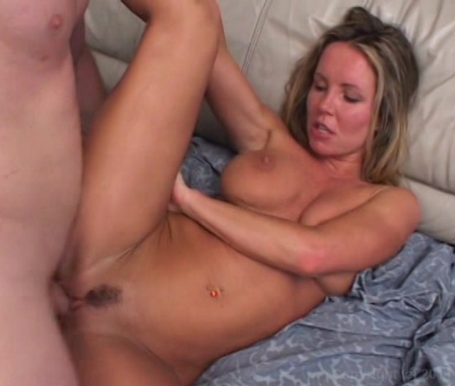 Free Video Preview Image 8 From Best Of I Wanna Cum Inside Your Mom All