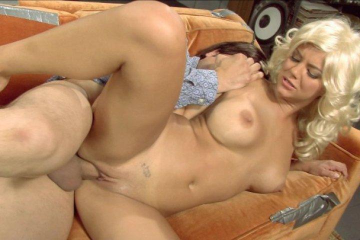 '70's Show: A XXX Parody Scene 7 Starring: Anthony Rosano Ashlynn Brooke Length: 16 min