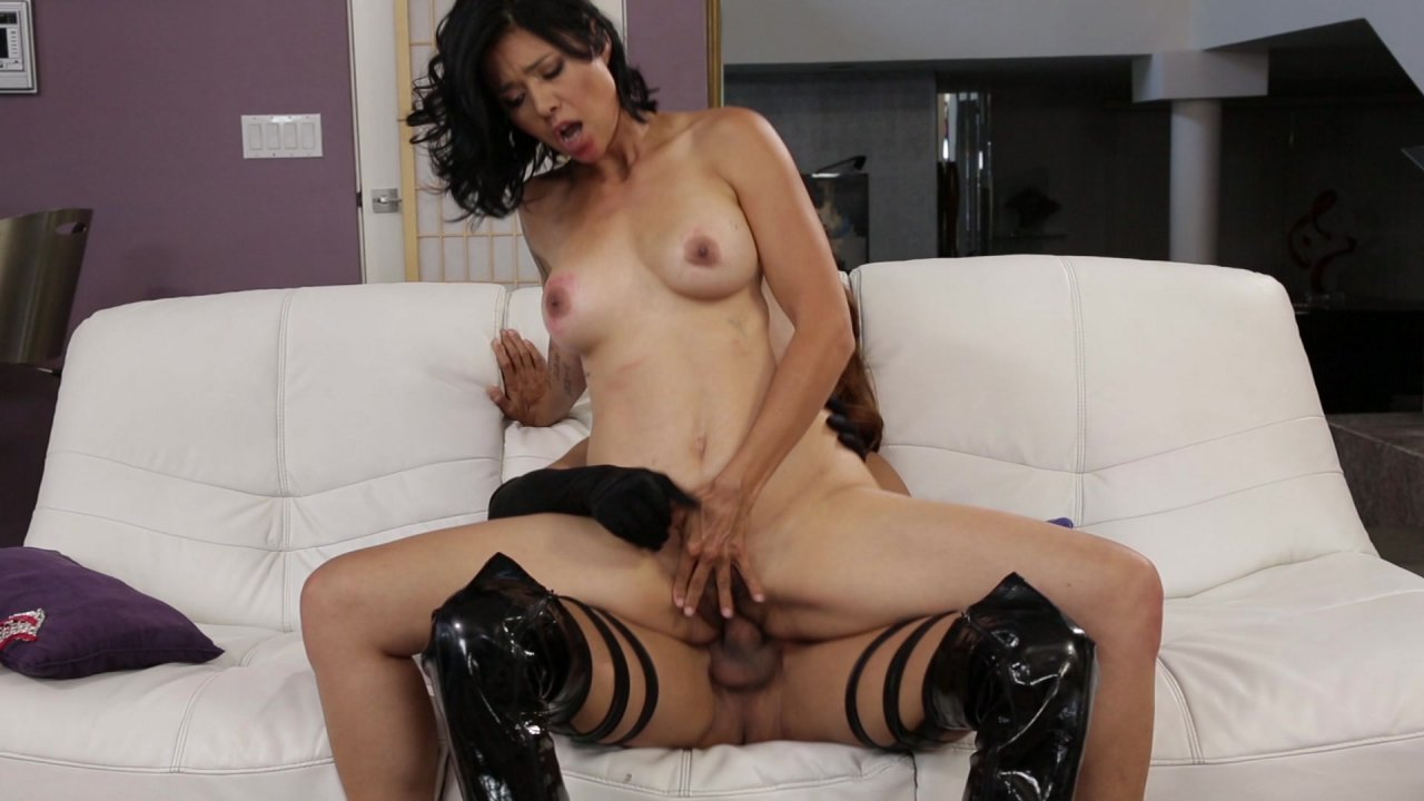 Images - Intense solo orgasm of pretty brunette girl
