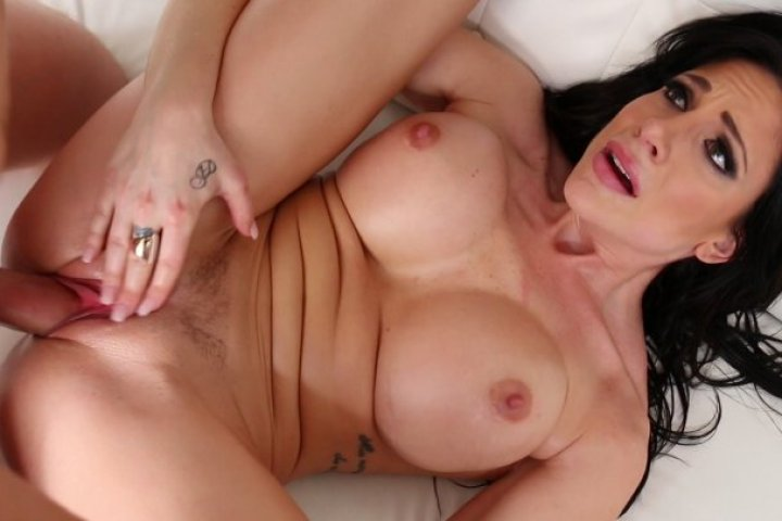 Jaclyn Taylor Bounces Her Beautiful Tits Before Sucking and Fucking a Lucky Stud