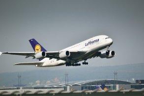 Auch die Lufthansa wird lange am Schuldenberg zu knabbern haben...