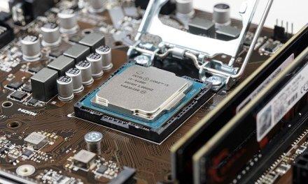 Intel Aktien kaufen trotz schlechten Nachrichten?