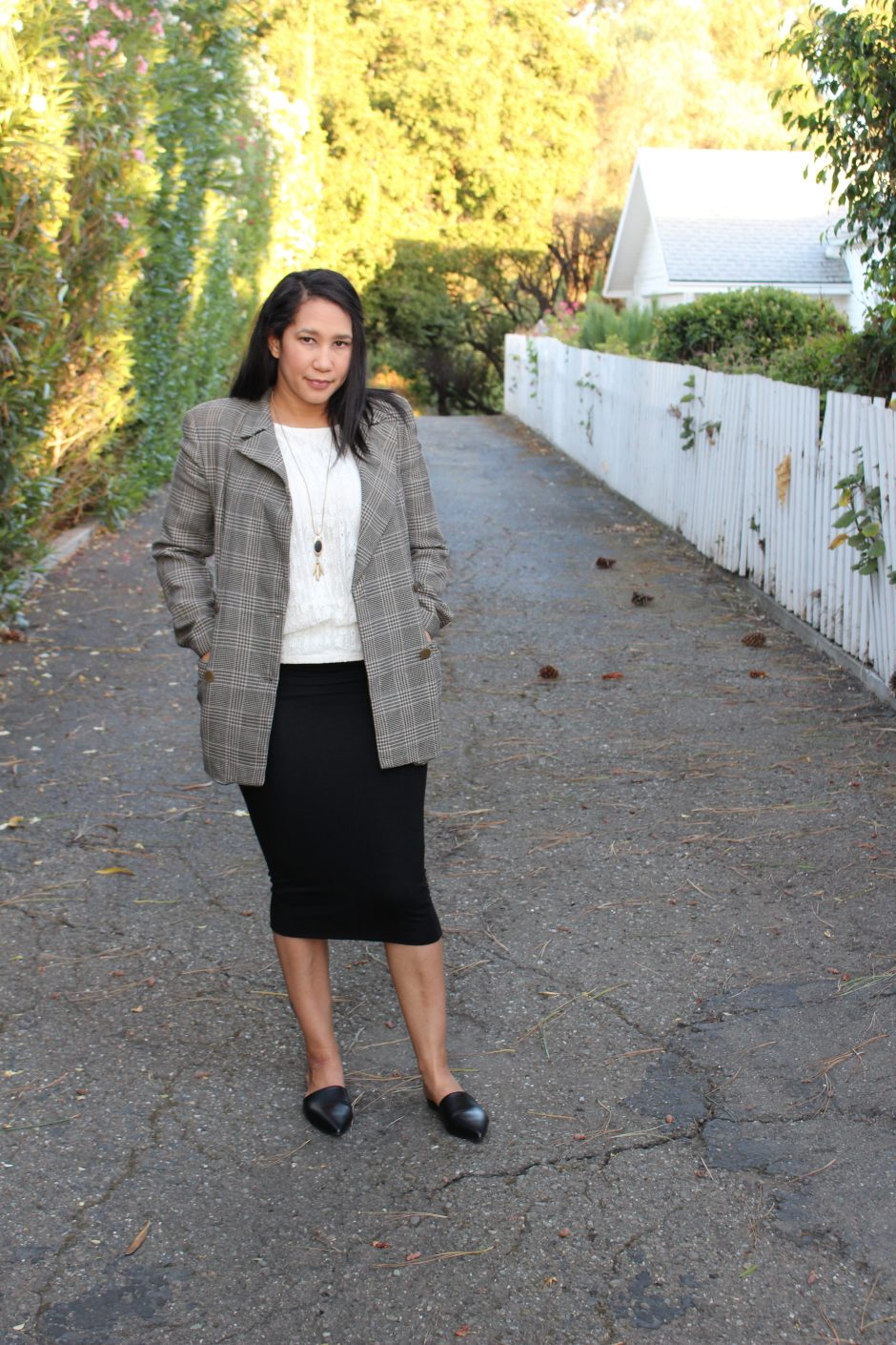 How to Mix Casual Clothing Pieces with Professional Pieces with 5 Items of Clothing
